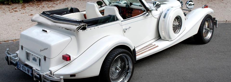 Un Cabriolet Excalibur de 888 Limousine